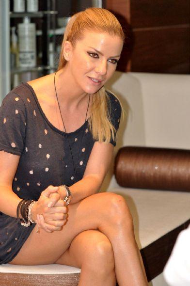 Güzel sırp model Ivana Sert cesur ve sexy giyimiyle meydan okumaya devam ediyor. Foto galeriyi görüntülemek için tıklayın.