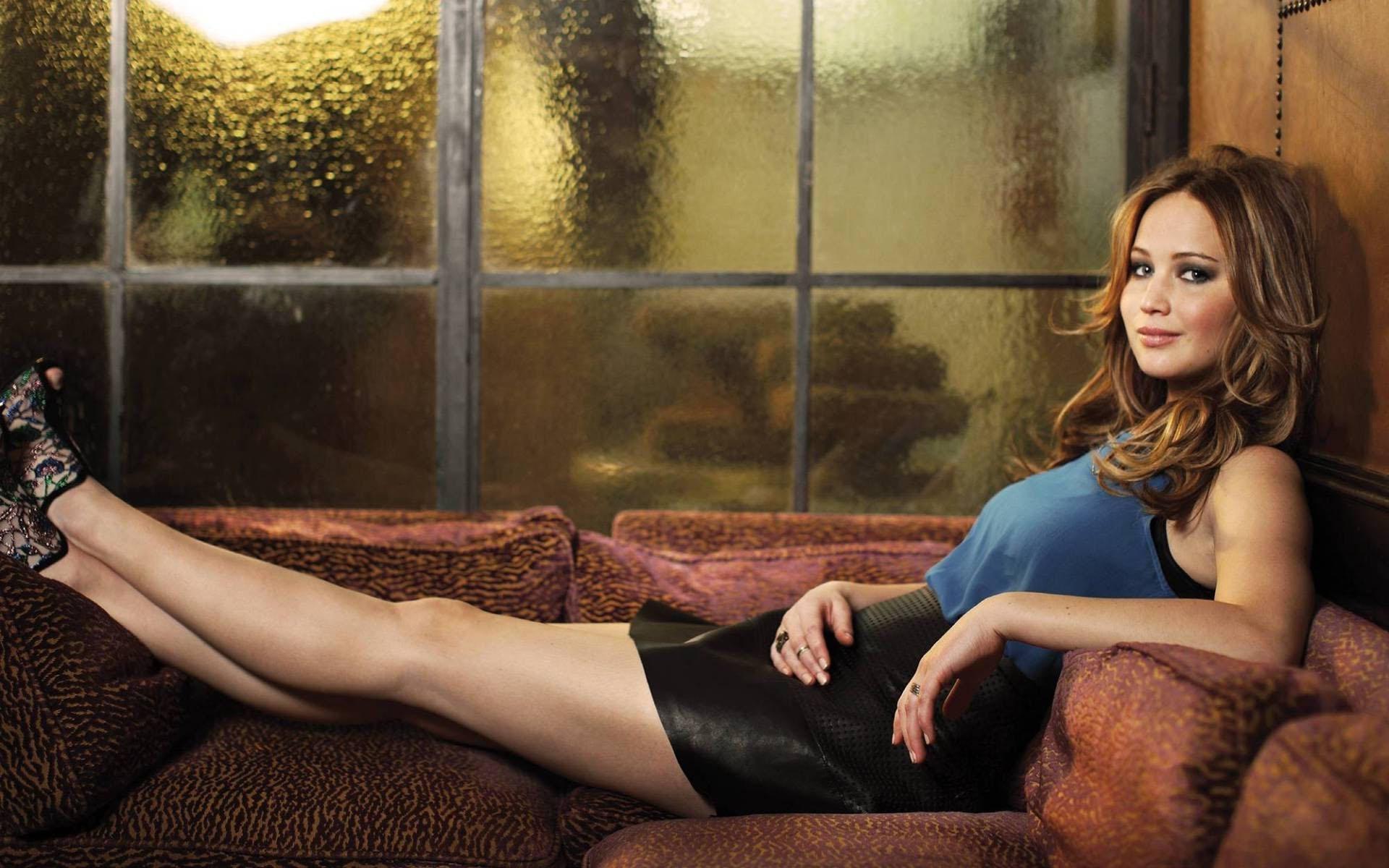 Güzel ve başarılı oyuncu Jennifer Lawrence Instagram hesabından sexy paylaşımları ile kendine hayran çekmeye devam ediyor. HD foto galeri için tıklayın.
