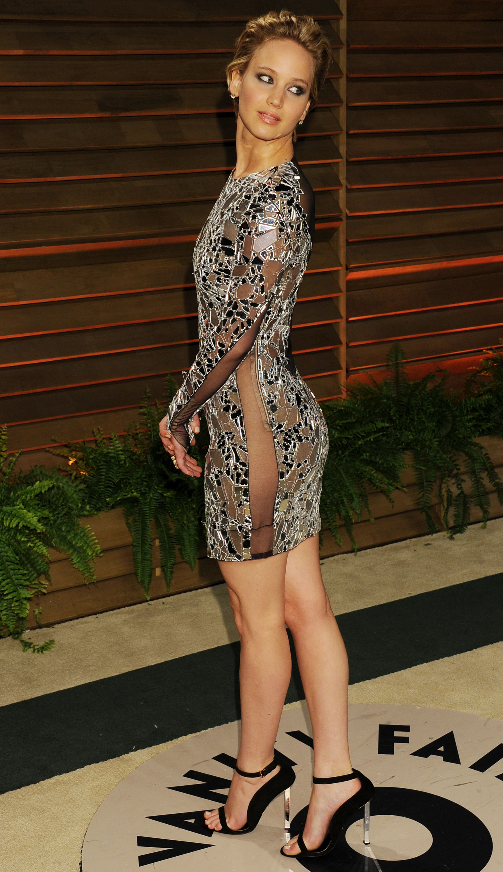 Dünyaca ünlü başarılı ve güzel oyuncu Jennifer Lawrence katıldığı etkinliğe seksi kıyafeti ve düzgün fiziği ile damga vurdu. Foto galeri için buraya tıklayın.