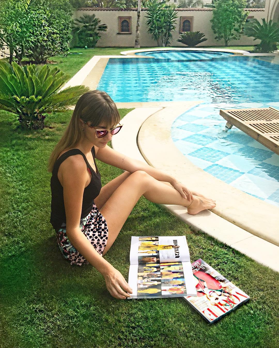 Güzel moda tasarımcısı Şeyma Subaşı sexy giyimiyle havuz kenarında cesur pozlar verip Instagram hesabından paylaştı. Türkiye'nin en seksi kadınları.