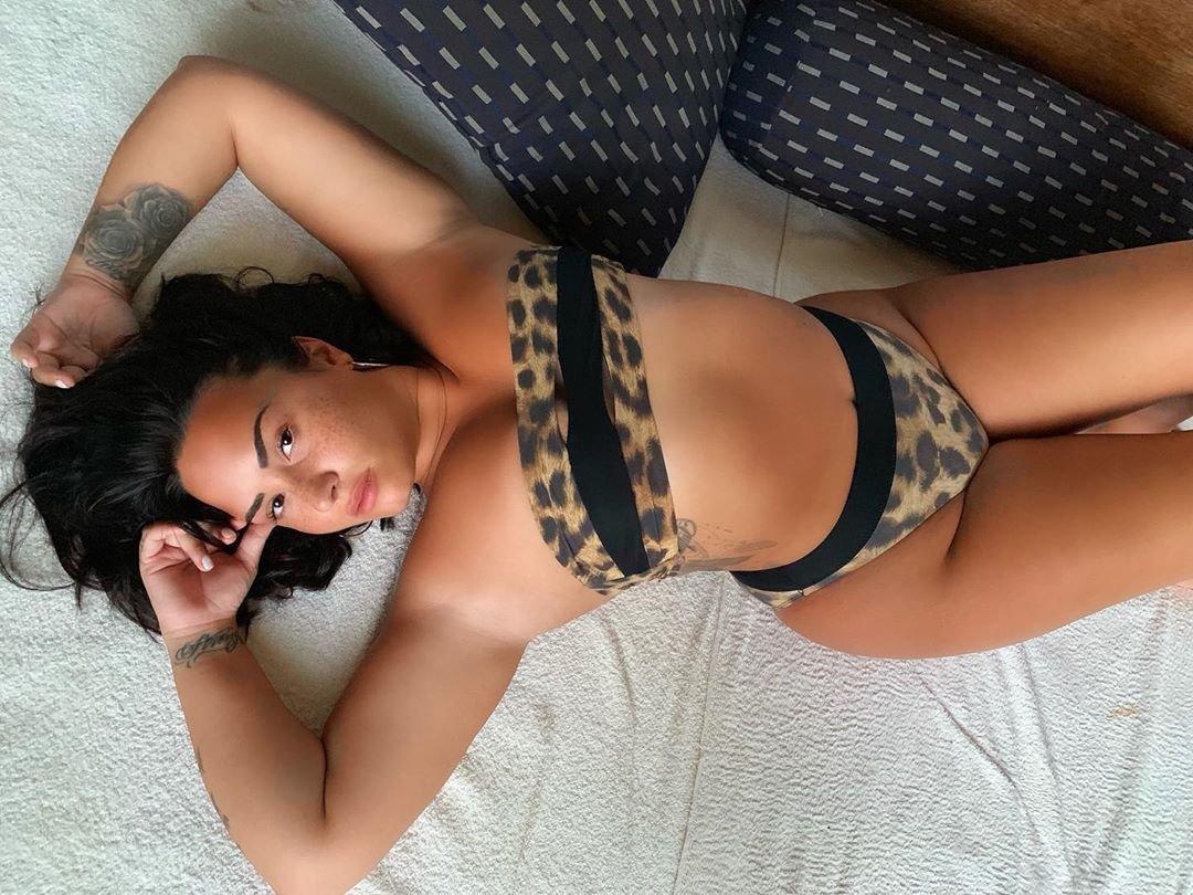 Dünyaca ünlü 1992 doğumlu güzel şarkıcı ve oyuncu Demi Lovato Instagram hesabından yaptığı sexy bikinili pozlarıyla nefes kesmeye devam ediyor.