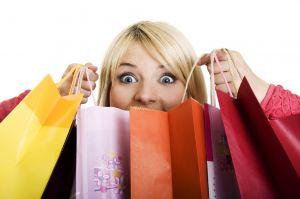 Kadınları mutlu eden hediyeler nelerdir? Kadınlara hangi hediyeler alınmalı? Kadınlar hediye fiyatlarını ne kadar önemsiyor?