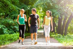 Yürüyüş yaparak zayıflamak mü? Kilo vermek için ne yapmalıyız?