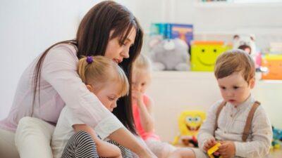 Çocuk Bakıcısıyla Büyüyen Çocukların Annelerine Bakışı Nasıldır?